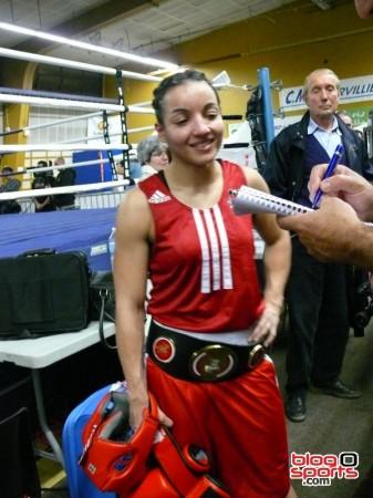 Après la victoire, le temps des interviews pour Sarah Ourahmoune