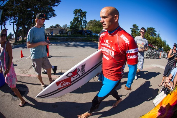 Kelly Slater en route pour Pipeline